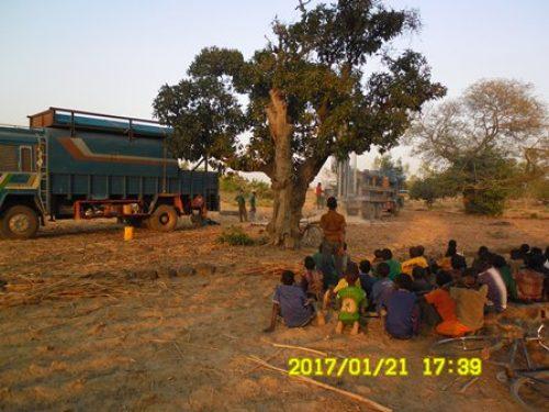 Bauarbeiten für den Brunnen in Mouni schreiten voran